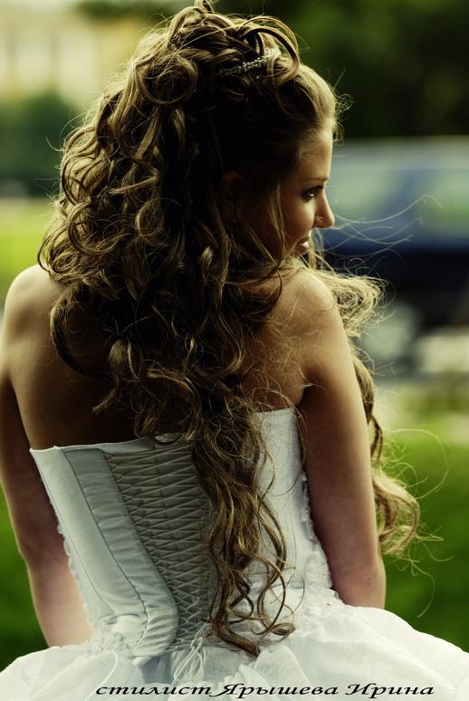 Уроки причесок на средние волосы.
